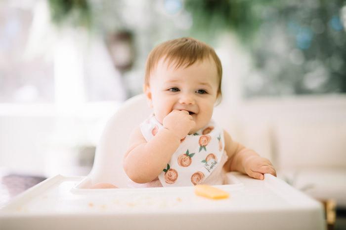 Стаття 43: про введення дорослої їжі малюку.